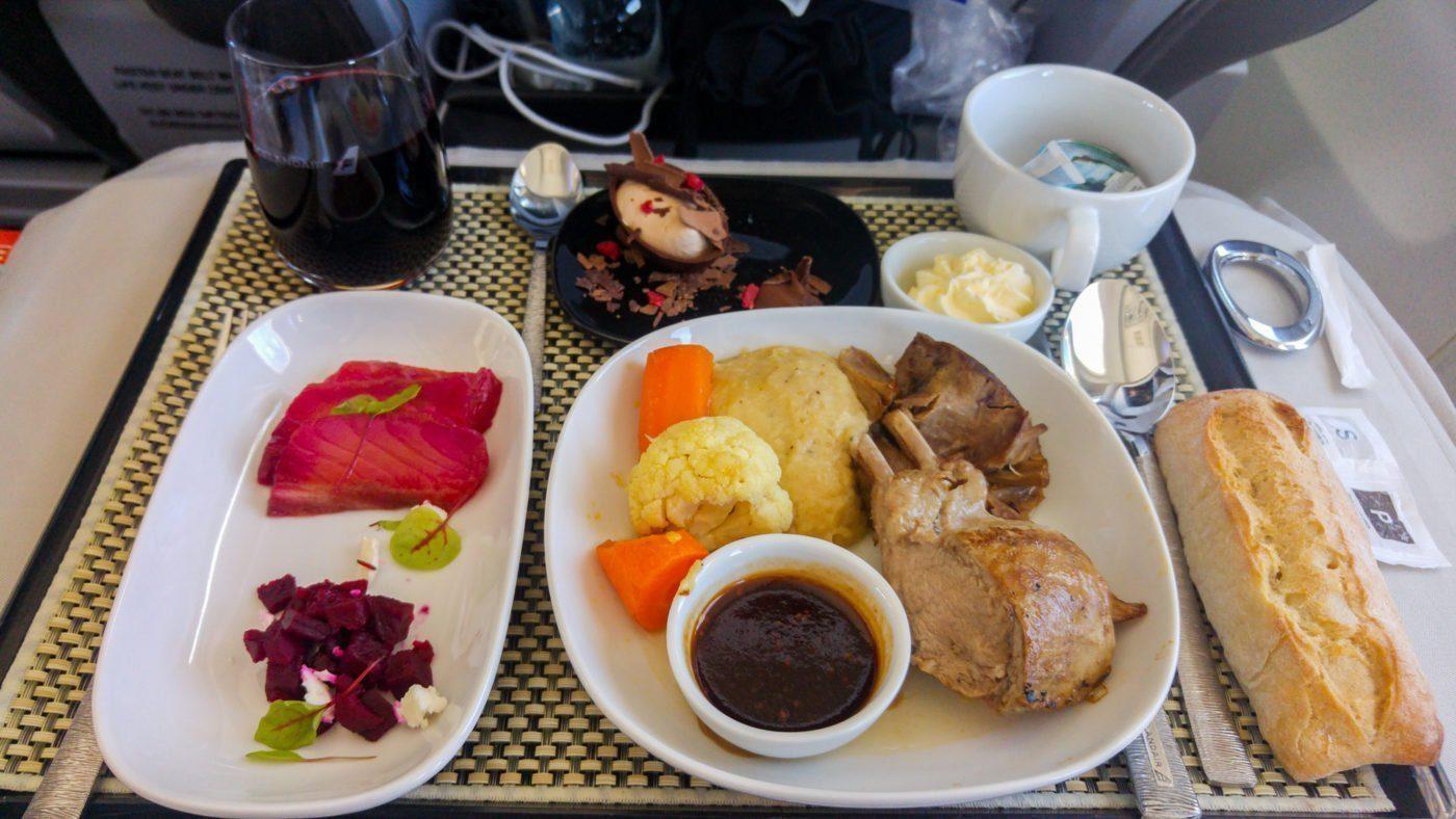 Icelandair Saga Class dinner
