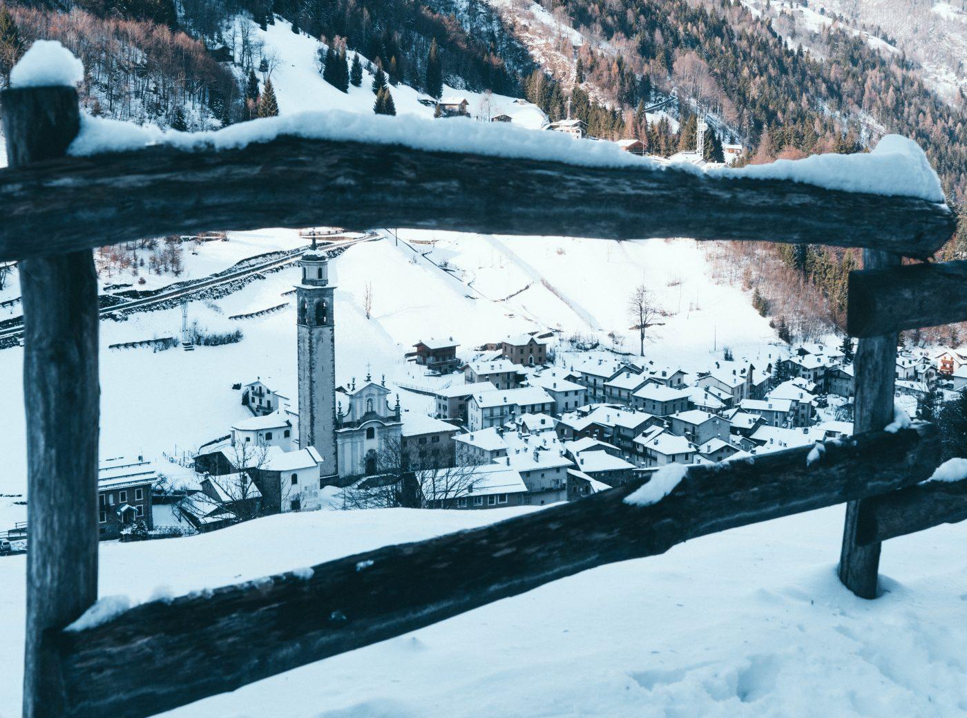 Snowshoe hike to Gerola Alta